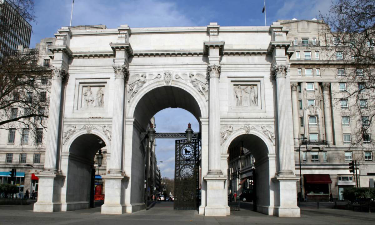 Marble Arch Floattrck